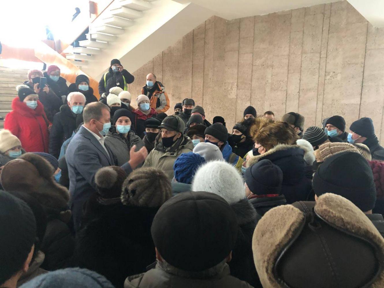 Більше півсотні працівників Сумського НВО прийшли на сесію міськради (фото)