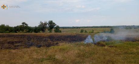 На Сумщині за минулу добу вогнеборці двічі ліквідовували загоряння сухої рослинності